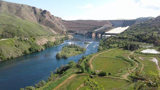 Keban Barajı Seyir Terası Kamp Alanı